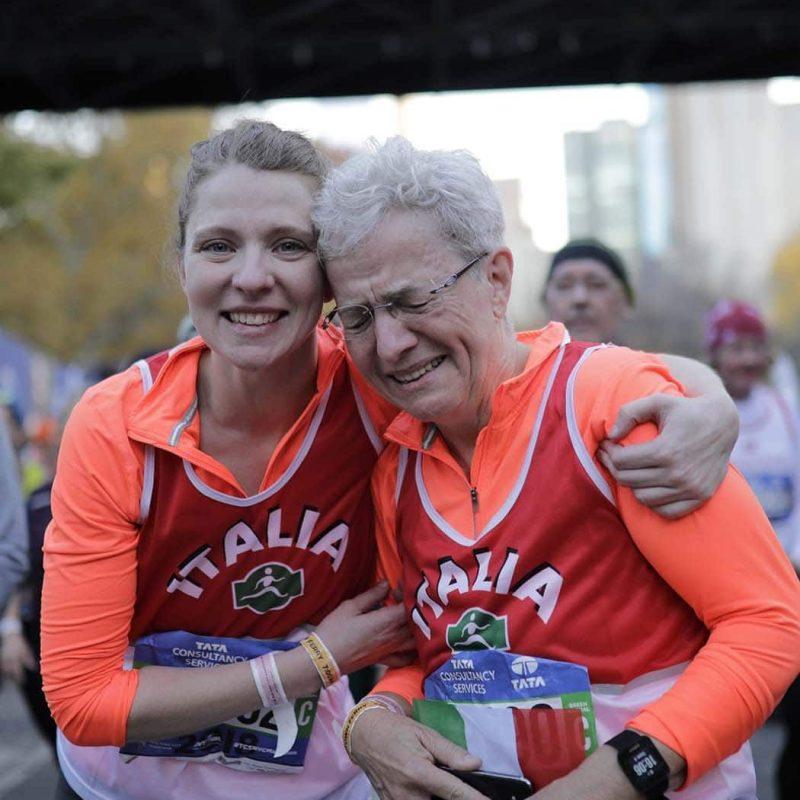 Corredoras en la meta del maratón de nueva york