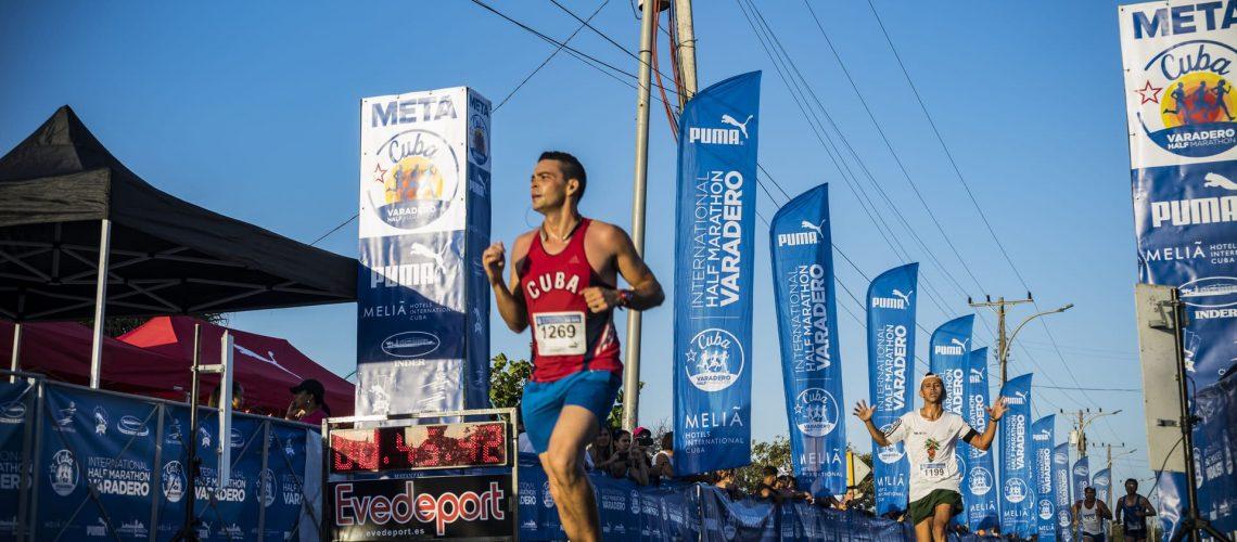 Runners en Maratón de Varadero