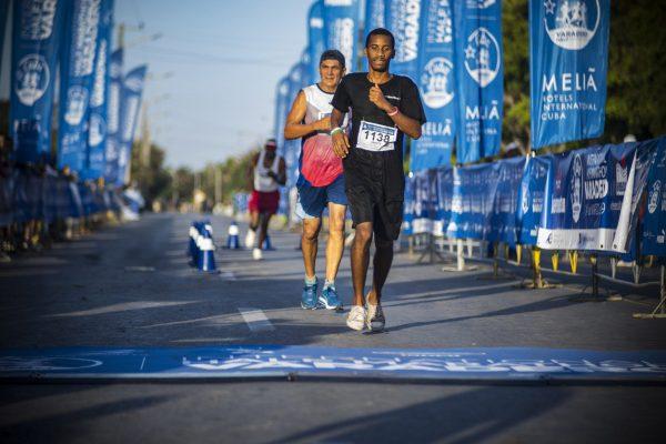 maratonianos en varadero